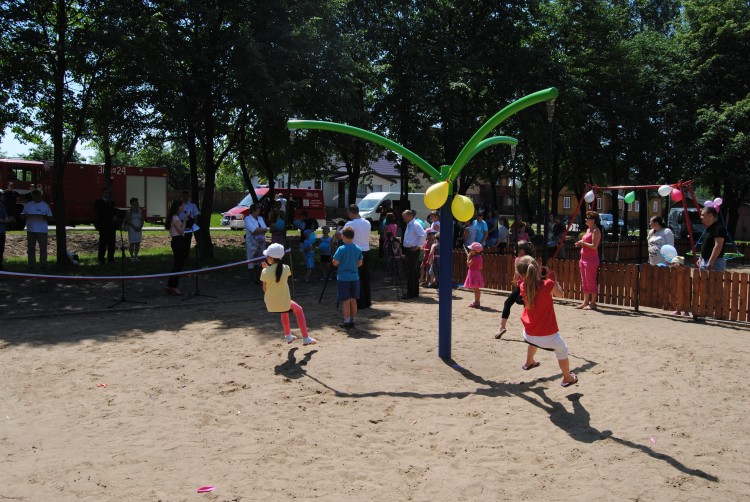 Playground Equipment Product‎ MONSOON 3 Inter Play
