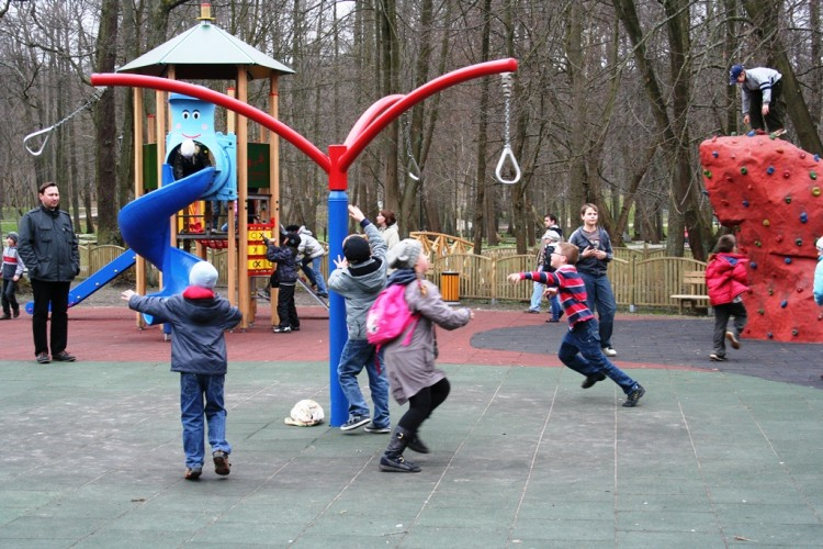 Playground Equipment Product ZEPHYR 3 Inter Play