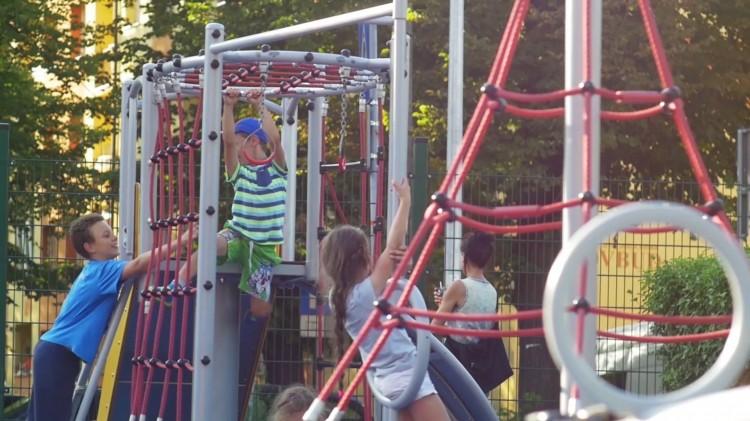 Playground Equipment Product GEMINI Inter Play